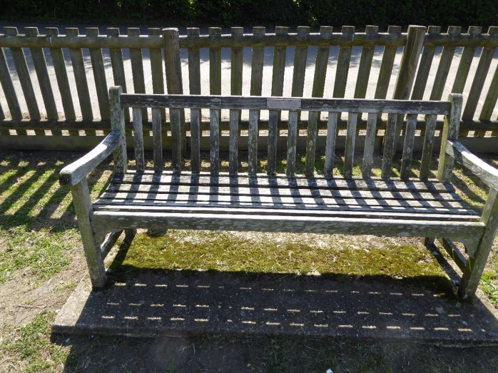 Bench - back to car park.JPG